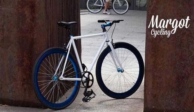 Prospettiva fixed bike AQUA in città