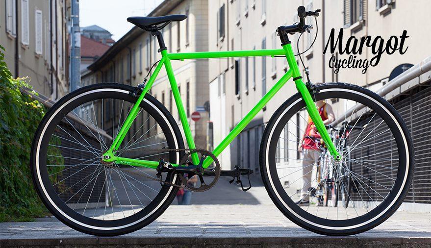 Bici fixed cerchi neri con pista frenante e telaio verde