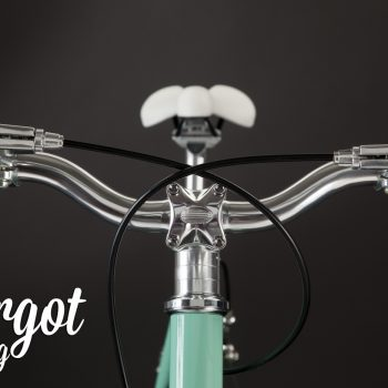 TIFFANY bici minimalista: manubrio e sellino in prospettiva frontale