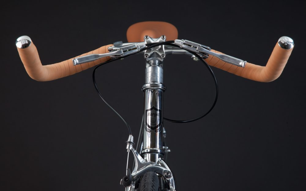 Manubrio prusuit su bici fixed cromata