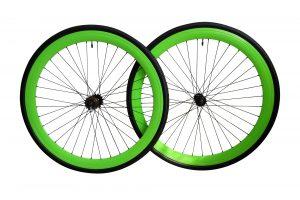 Bici ruote verdi profilo 45 mm. Complete di copertoni.