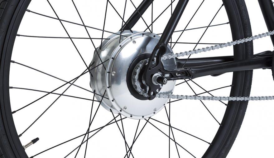 Bici elettrica a pedalata assistita OLYMPUS. Motore nel mozzo posteriore.
