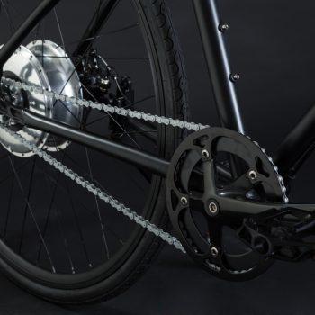 Bici elettrica a pedalata assistita OLYMPUS-ZERO. Motore e batteria nel mozzo posteriore.