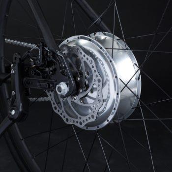 Bici elettrica a pedalata assistita OLYMPUS-ZERO. Freno a disco posteriore.