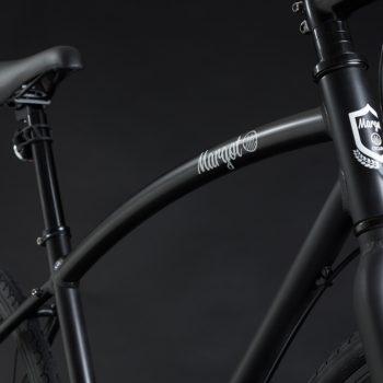 Bici elettrica a pedalata assistita OLYMPUS-ZERO. Telaio pulito come una bici a pedalata muscolare.