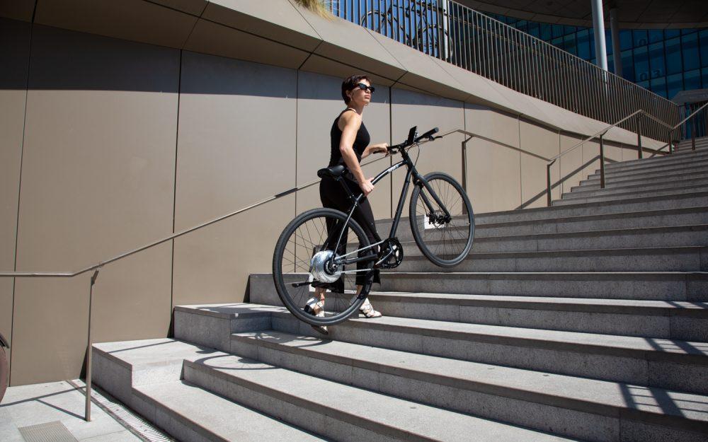 Bici elettrica da città leggera di nuova concezione