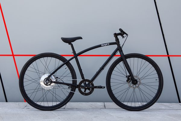 Bici elettrica da città leggera con motore Zehus