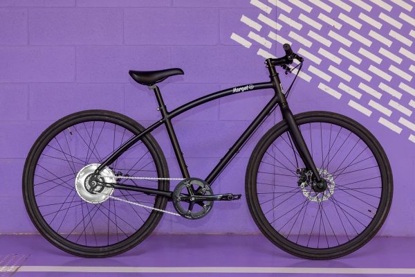 Bici elettrica da città leggera ad autonomia infinita e zero emissioni con motore Zehus
