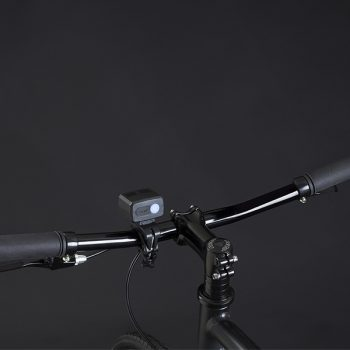 City bike urban style: manubrio con potente luce led a ricarica USB.