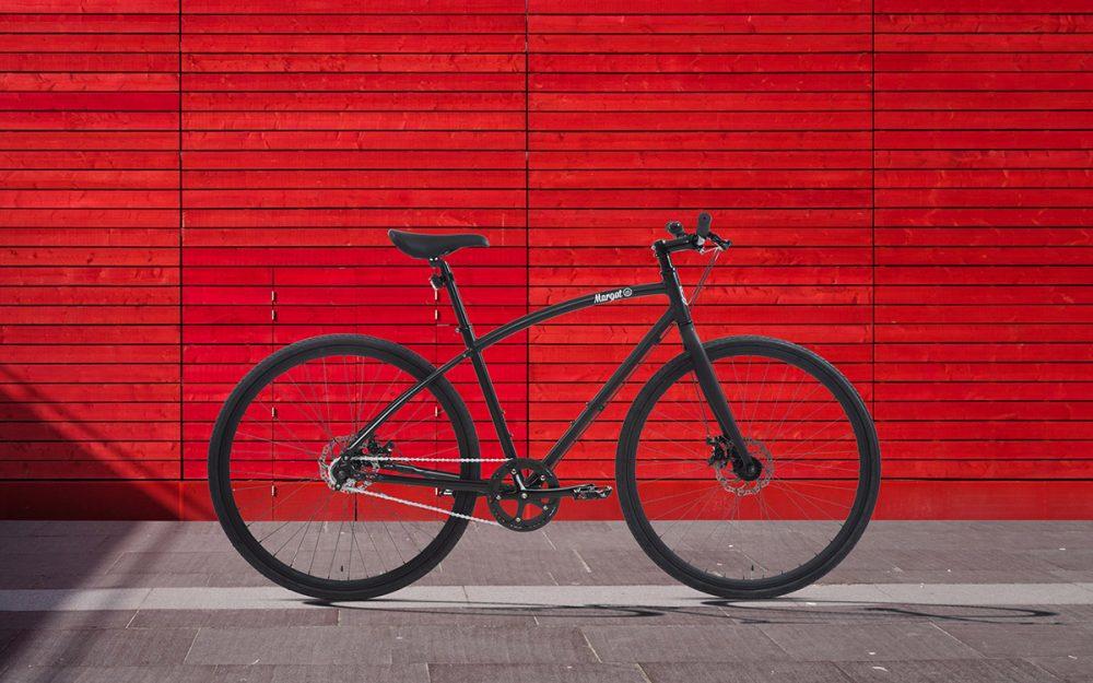 Bici urban style con doppio freno a disco.
